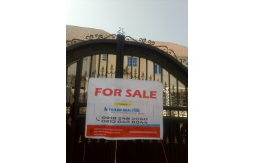 3 bed terrace duplex with a room BQ ,NAF valley Estate Asokoro